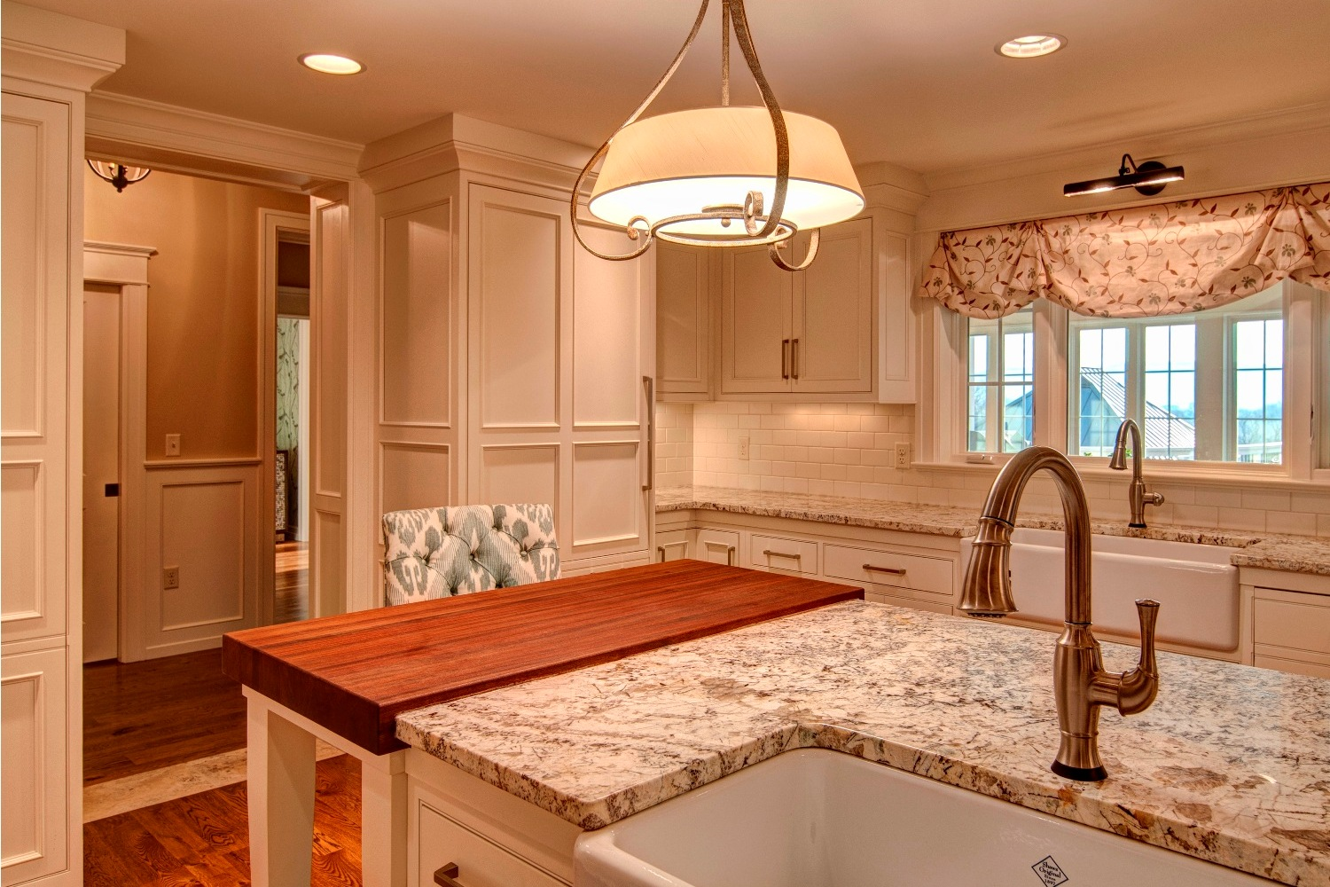 kitchen granite island